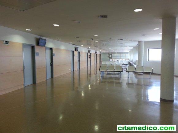 Zona de espera de las consultas de la Planta 7 del nuevo Hospital de Granada