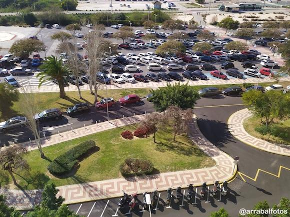 Parking gratis frente al Hospital Clinico